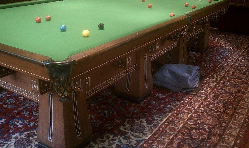 ... The Kling Pool Table, Fully Restored ...