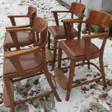 Side view, Sportsman billiard observation chairs