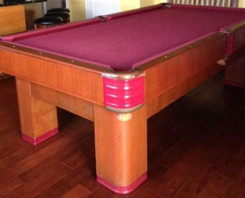 Delicieux Damaged Brunswick Centry Pool Table